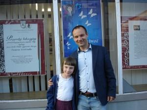 laureatka-konkursu-julia-drag-ze-sxwym-tata-wojtkeim
